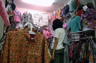 Di Kampoeng Batik Bisa Belajar Membatik 235
