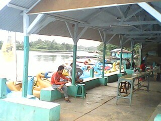 Perahu Bebek Situ Kemuning Digemari Pengunjung 233