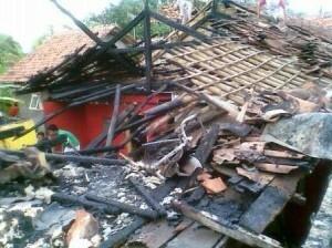 Rumah Warga Bantarjaya Hangus Terbakar 197