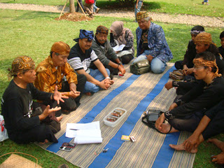 Komunitas Sunda Promosi Berbahasa Daerah 233
