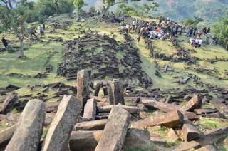 Situs Megalitik Mendunia 237