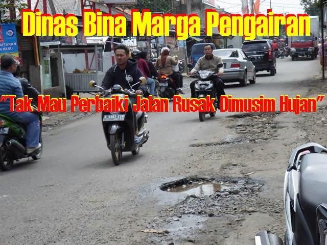 Dinas Bina Marga Ogah Perbaiki Jalan Rusak 233
