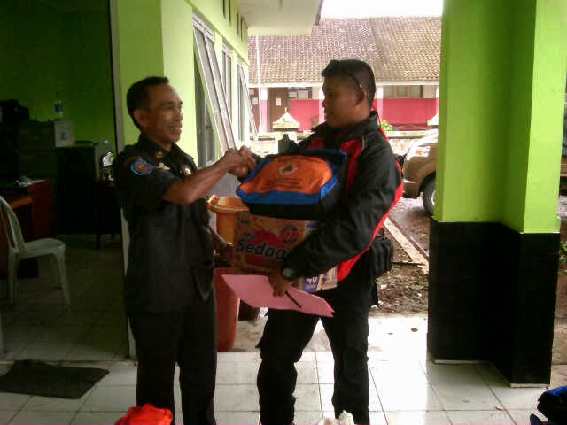 BPBD Salurkan Bantuan Logistik Bencana 236