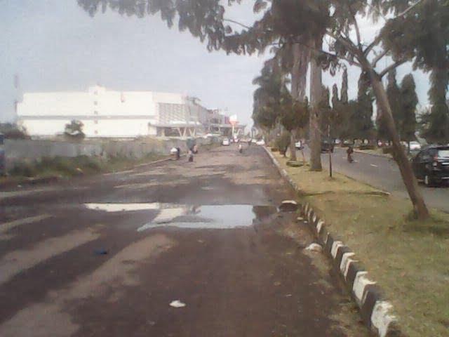 Dinas Bina Marga Ogah Perbaiki Jalan Rusak 234
