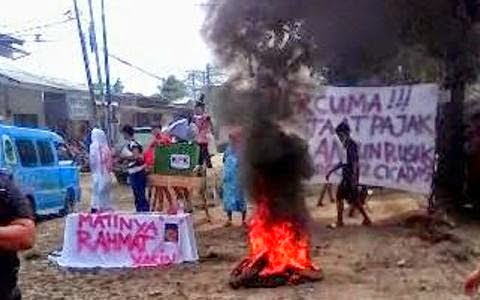 Demo Jalan Rusak Ganggu Aktifitas Warga 235