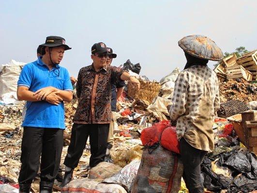 Walikota Bogor Bima Arya Tinjau TPA Galuga 235