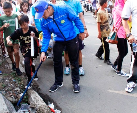 Marathon Diwarnai Aksi Pungut Sampah 229