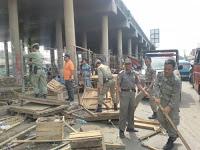 SatPol PP Kecamatan Cileungsi Tertibkan PKL 236