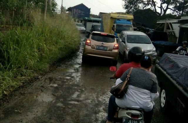 Pengamat Transportasi Tuding Bupati Bogor Gagal Fokus 189