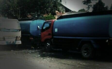 WALHI Soroti Aktifitas Air Curah 235