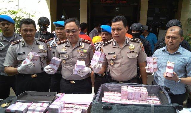Uang Palsu 6  Miliar Di Bogor Terungkap 233