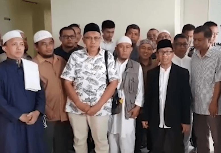 Ustaz Arifin Ilham Dirawat di RS 219