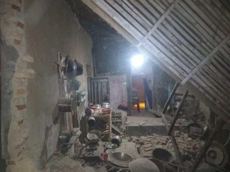Tujuh Rumah Warga Bogor Roboh Akibat Gempa 235