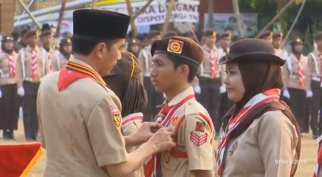 Siswa SMPN 2 Cibinong disematkan Lencana Teladan oleh Presiden Joko Widodo 203