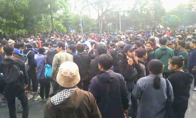 Kaukus Penyelamat Demokrasi Bandung Desak Negara Hentikan Aksi Pemberangusan Kebebasan Berpendapat 237
