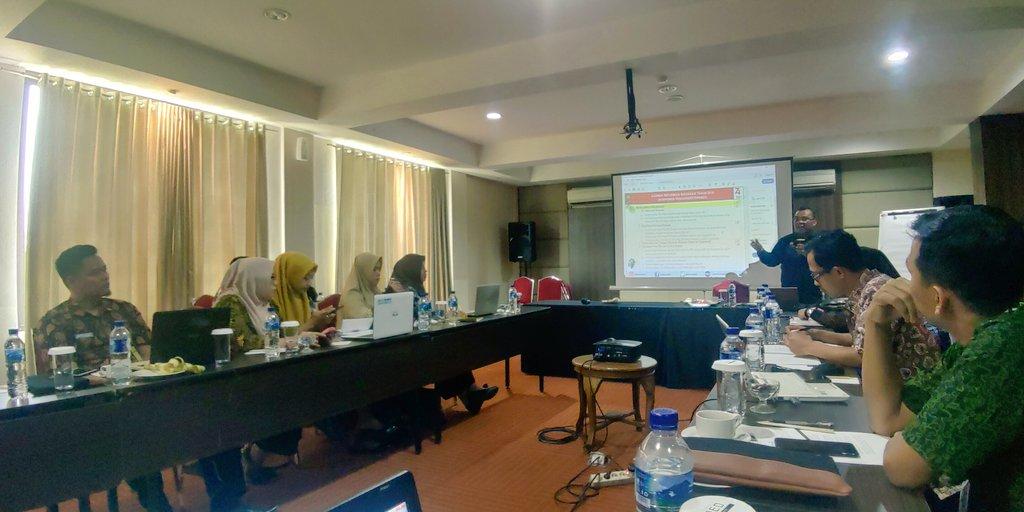 Rapat Finalisasi Pengisian Kertas Kerja atau Lembar Kerja Evaluasi PMPRB 235