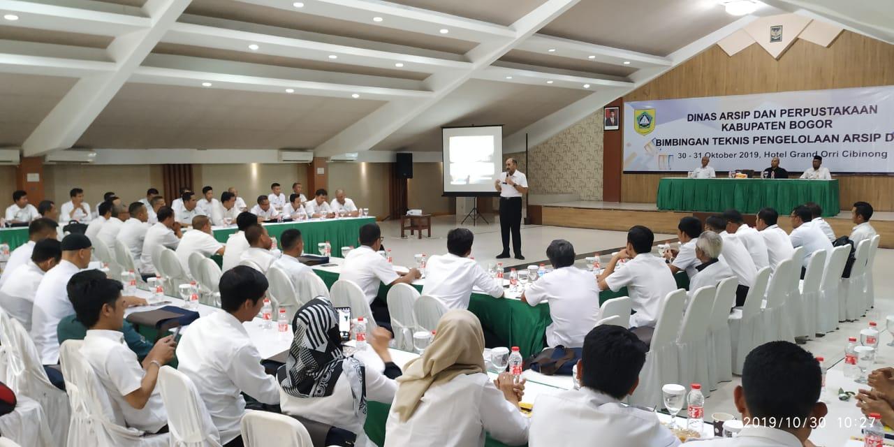 Seratus Perangkat Desa Diajari Mengelola Arsip Secara Konvensional 221