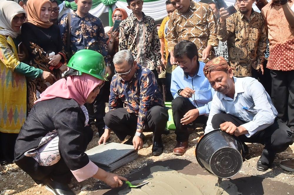 Ade Yasin Letakkan Batu Pertama Pembangunan Taman Olahraga Pancakarsa