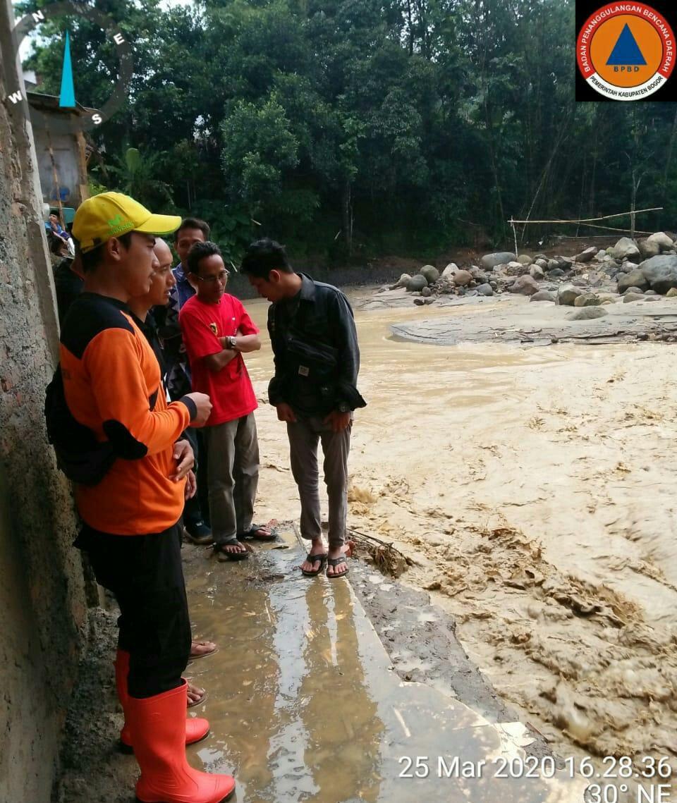 Sebuah Ponpes dan 25 Rumah Terdampak Banjir Di Sukajaya Bogor 233